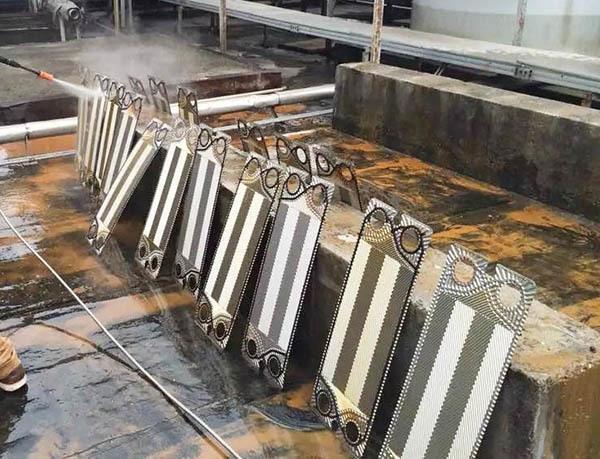 板式换热器维修:板片的清洗和保护